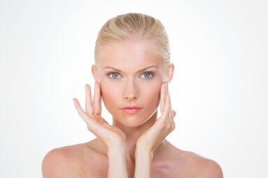 Крем для лица после 30 лет: пора ли покупать антивозрастную косметику