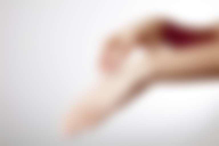Крем для рук восстанавливает кожу