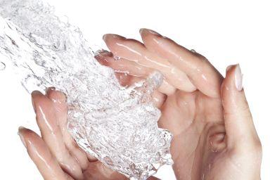 Увлажнение кожи рук