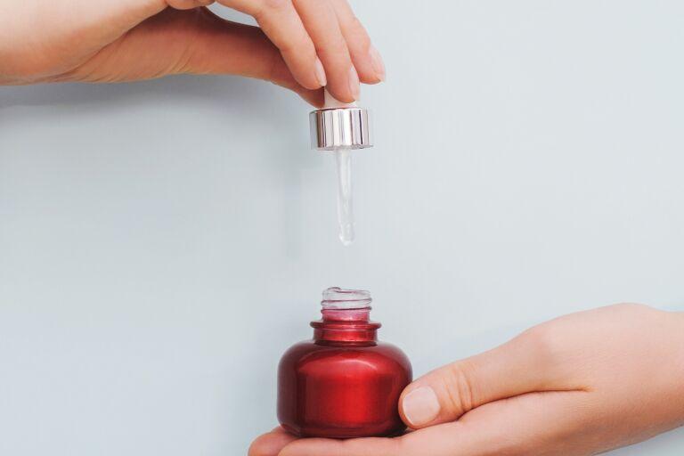 Масло для увлажнения лица: ТОП-10 лучшие масла для улажнения