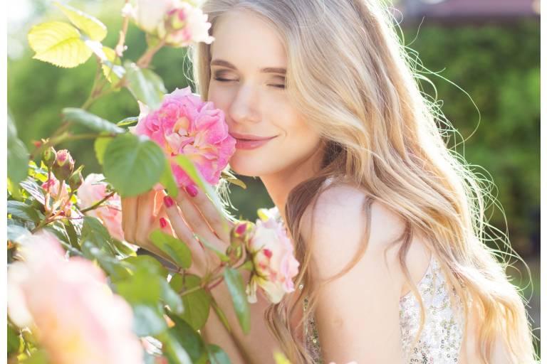 косметика с розой