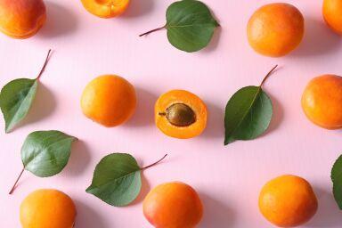 Маска из абрикоса для лица: домашние рецепты или готовые средства?