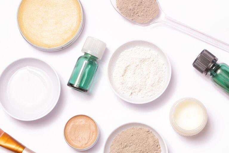Белая глина для лица свойства и применение