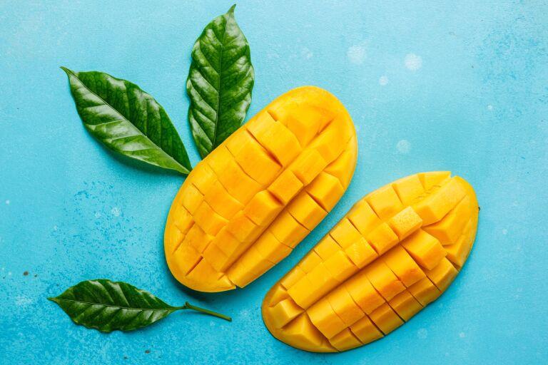 Применение масла манго для лица в чистом виде и в рецептах (свойства и отзывы)