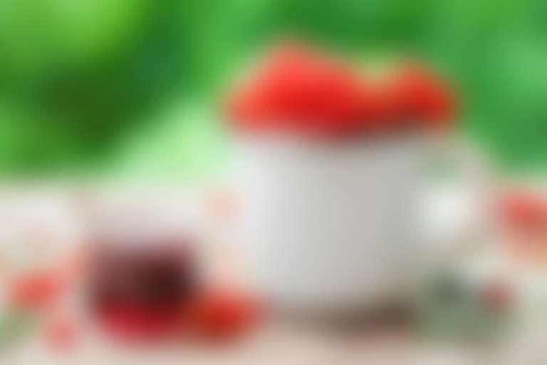Маска из красной смородины для лица