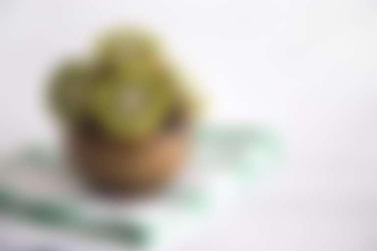 Разрезанные плоды для приготовления маски из киви