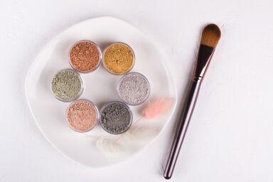 Маска из глины для лица: домашнего приготовления или готовые средства?