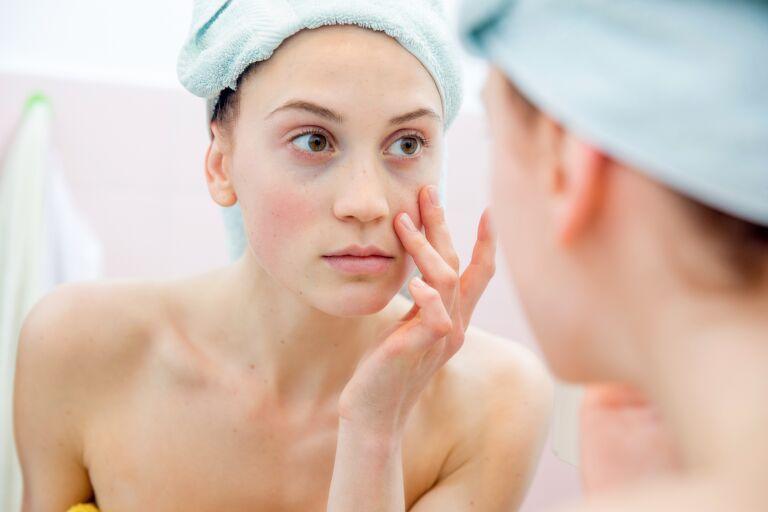 Маска для чувствительной кожи лица: в домашних условиях или готовые средства?