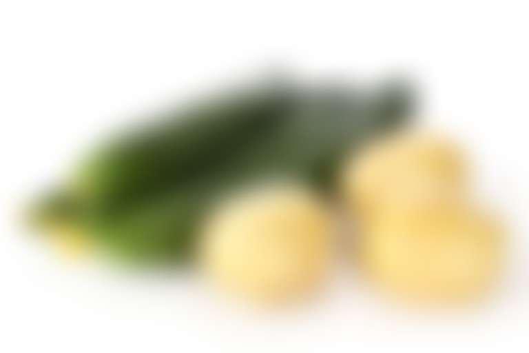 Огурцы и картофель для упругости кожи