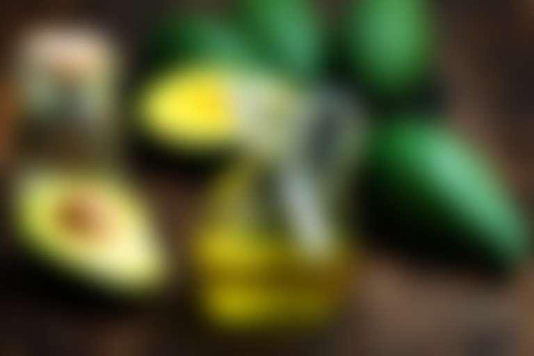 Композиция из авокадо и растительных масел