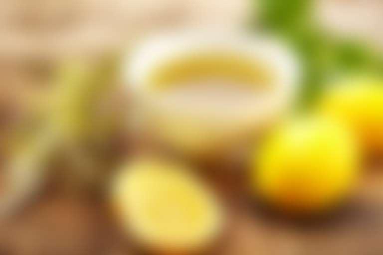 Лимон, травы и оливковое масло