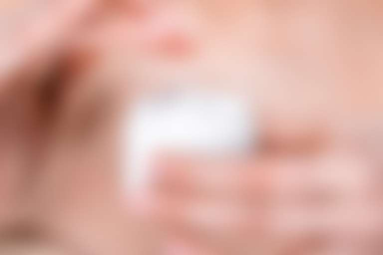 Крем с гиалуроновой кислотой нужен в любом возрасте