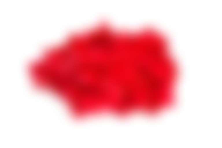 Красные воздушные шарики символизируют прыщики