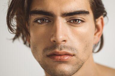 Чувствительная мужская кожа: правила ухода