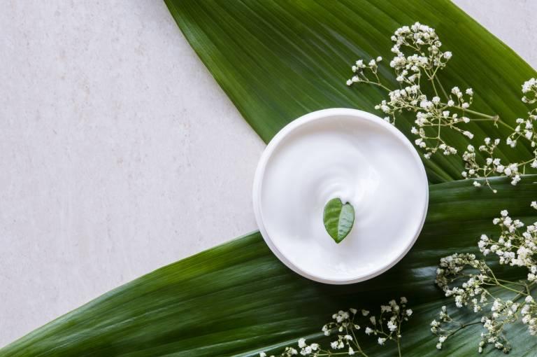 Задача крема для жирной кожи