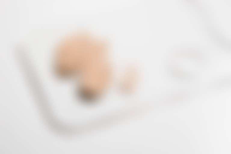 Тональный крем на палитре