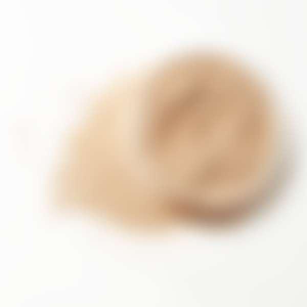 Рассыпчатая пудра для жирной кожи в открытой круглой баночке