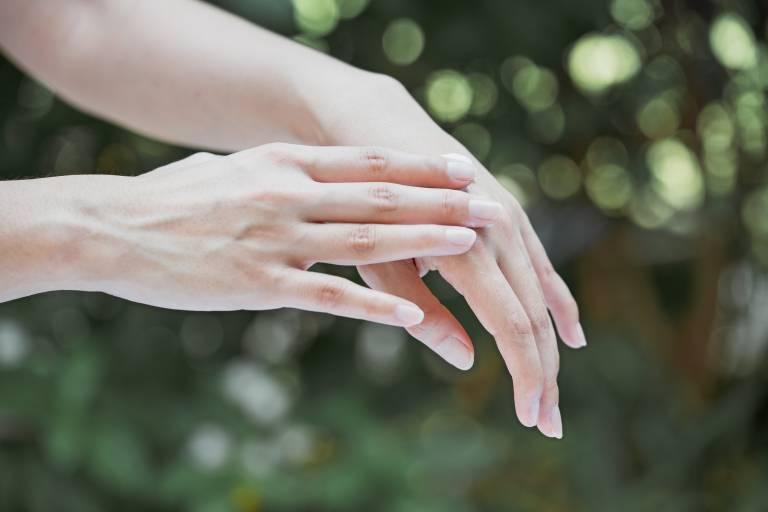 Изображение - Сухие суставы на пальцах рук content_front