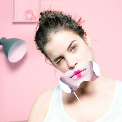 Салфетки снимают даже стойкий макияж
