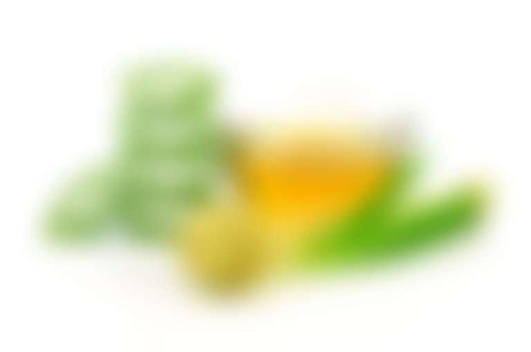 Натюрморт из оливкового масла и растительных ингредиентов