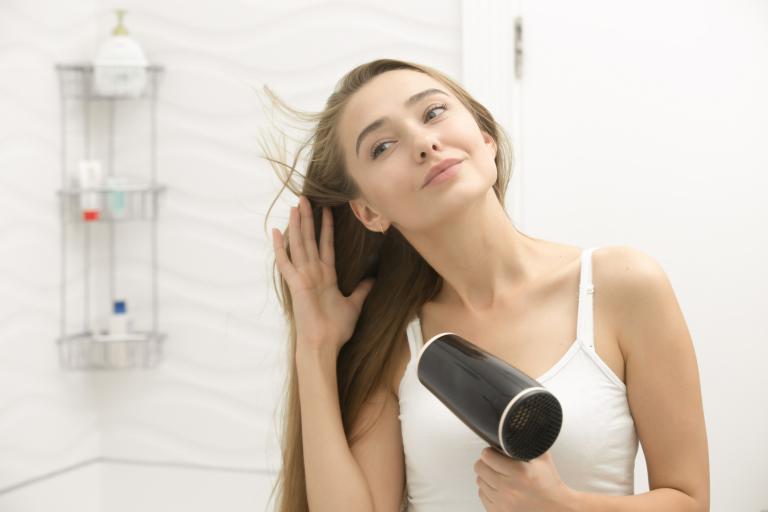 Зачем нужен шампунь для сухой кожи головы