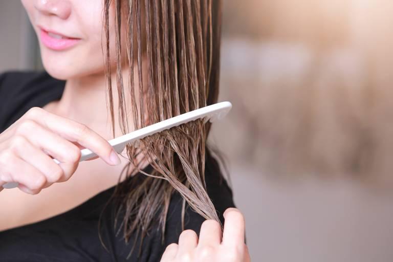 сухие волосы и кожа головы