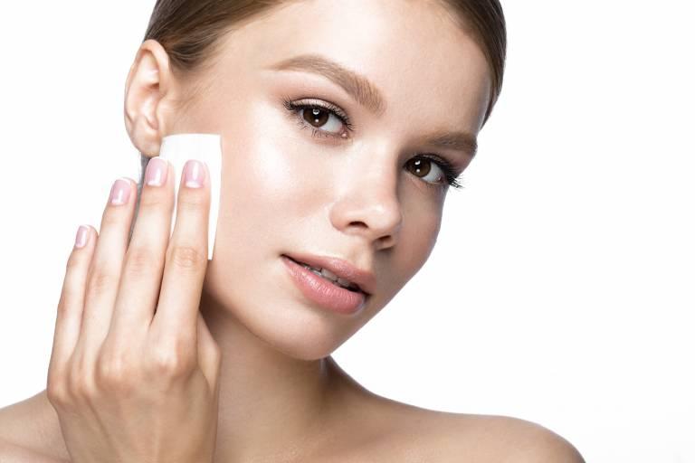 Летний тональный крем для сухой кожи