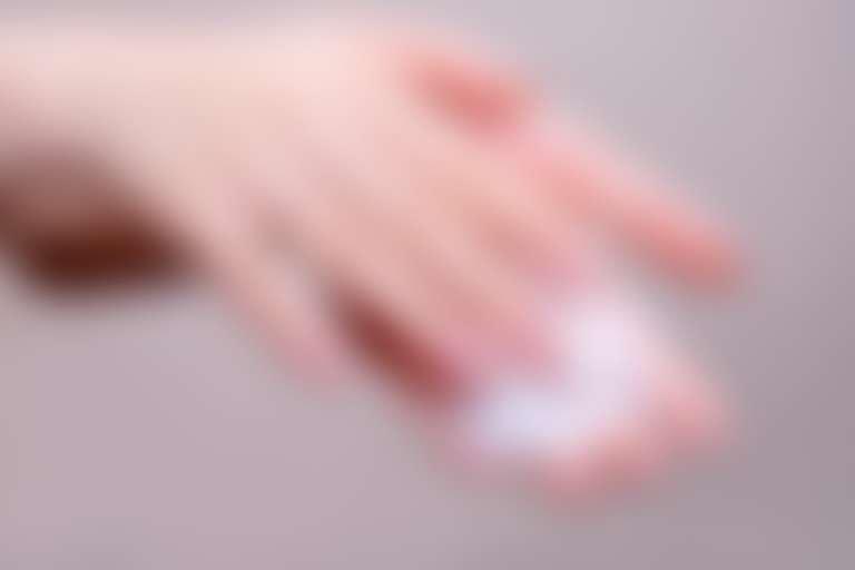 пенка на руках