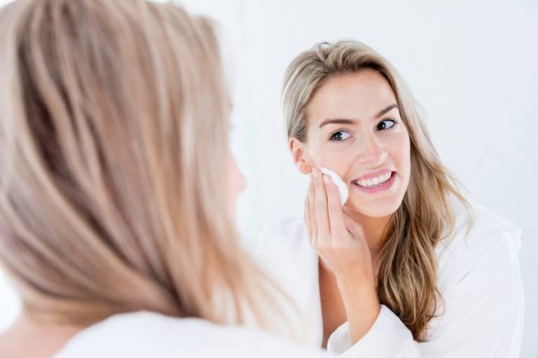 как удалить макияж