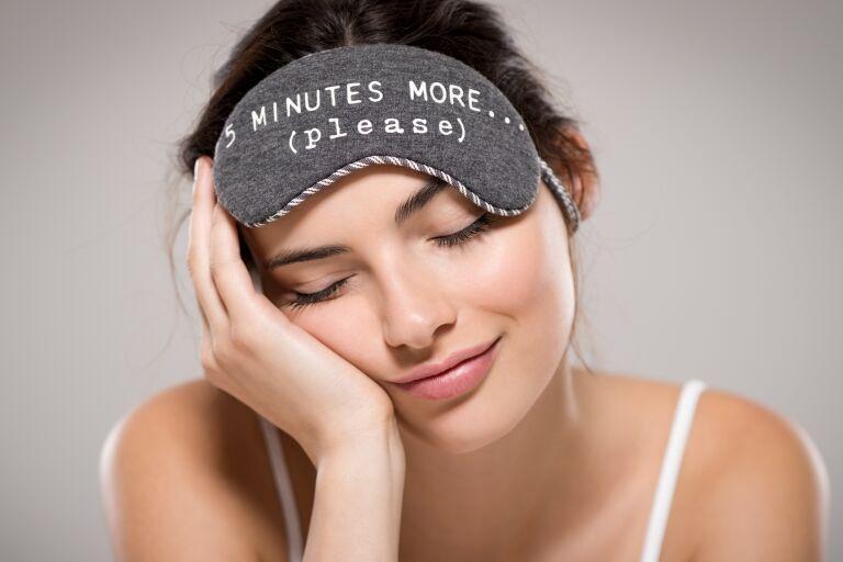 Отеки под глазами - причины отеков по утрам у женщин
