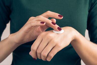 Уход за кожей рук: увлажнение, питание, защита и массаж
