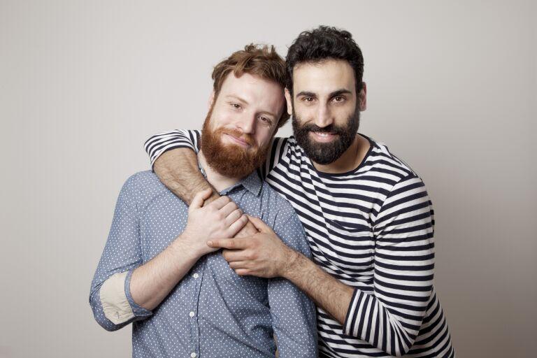 Два парня – с рыжей и темной бородой.