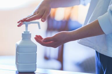 Мыло, крем и санитайзер, или Когда все сходит с рук