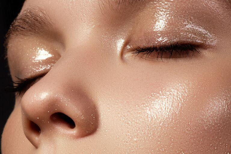 уход и макияж для жирной кожи