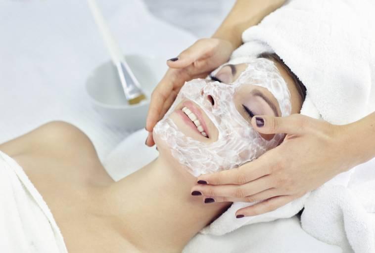 косметологические процедуры для жирной кожи