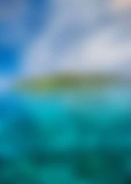 Остров в синем море