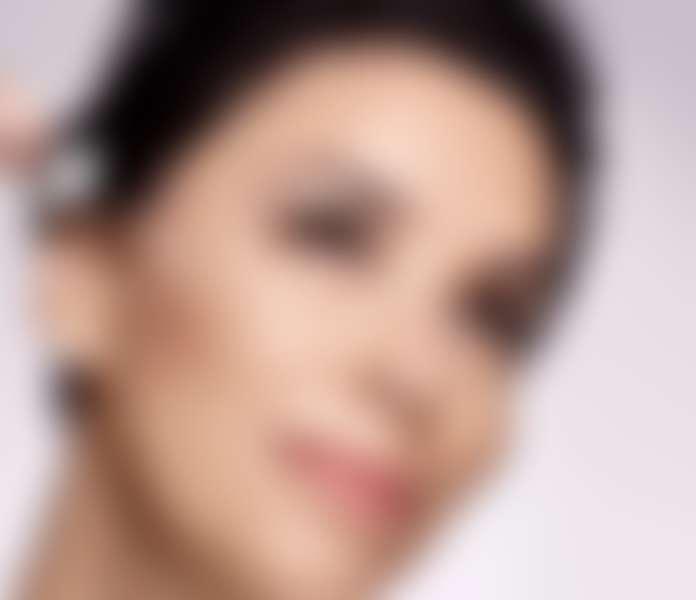 Ева Лонгория с сывороткой ревиталифт филлер лореаль пари