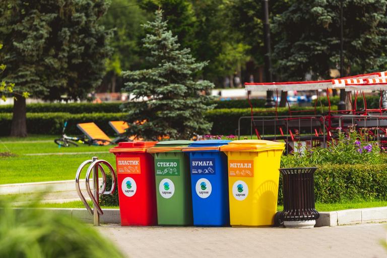 Контейнеры для разделения бытовых отходов