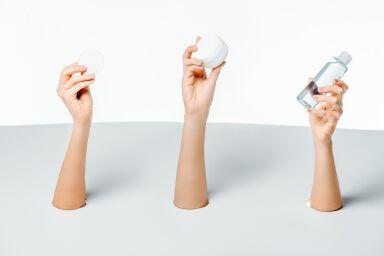 Чистая зона: самые эффективные средства от прыщей на лице