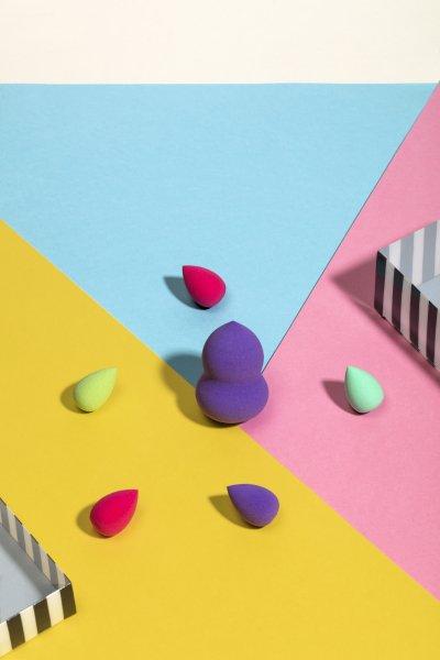 Бьют-блендеры для нанесения макияжа и праймера для лица разных цветов и размеров