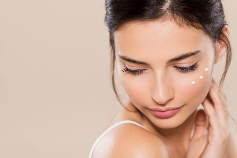 12 лучших кремов с ретинолом