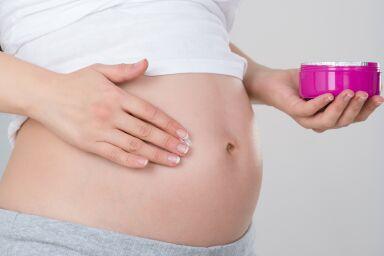 Растяжки при беременности: как избавиться от уже имеющихся и предотвратить появление новых