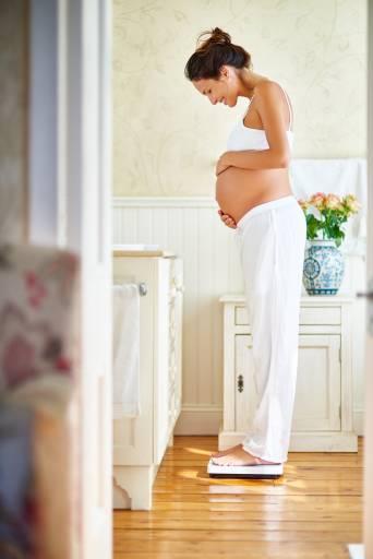 Растяжки во время беременности как избежать