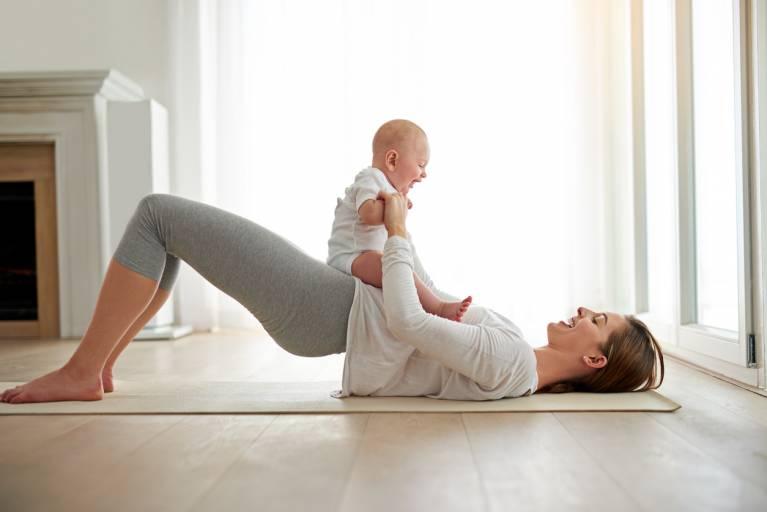 Можно ли избавиться от растяжек после родов