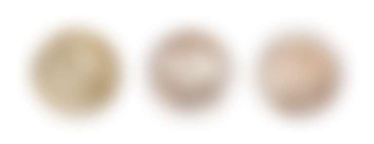 Три баночки со скрабами для тела