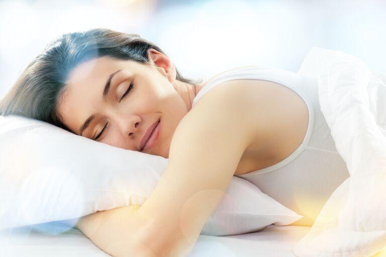 Ночной уход за кожей лица: 3 этапа и обзор 7 средств