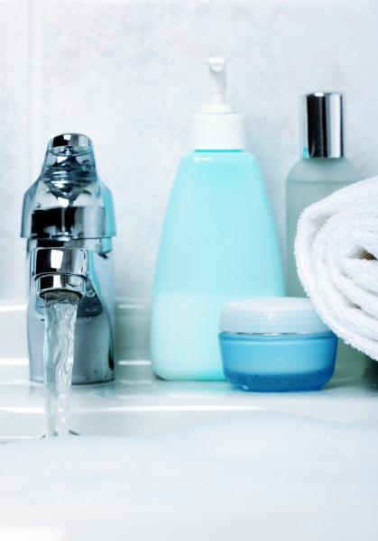 косметические средства в ванной