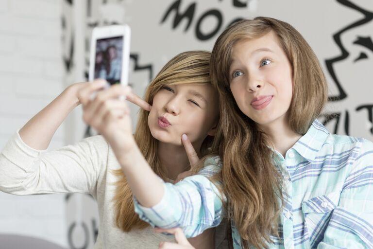 Косметика для подростков: виды и выбор