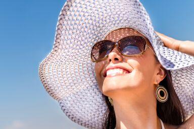 Они существуют: солнцезащитные средства для кожи век