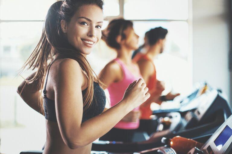 Как ухаживать за кожей лица до и после тренировки